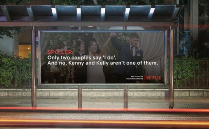 'Spoiler Billboard' espalham cartazes com spoilers de séries da Netflix para as pessoas ficarem em casa