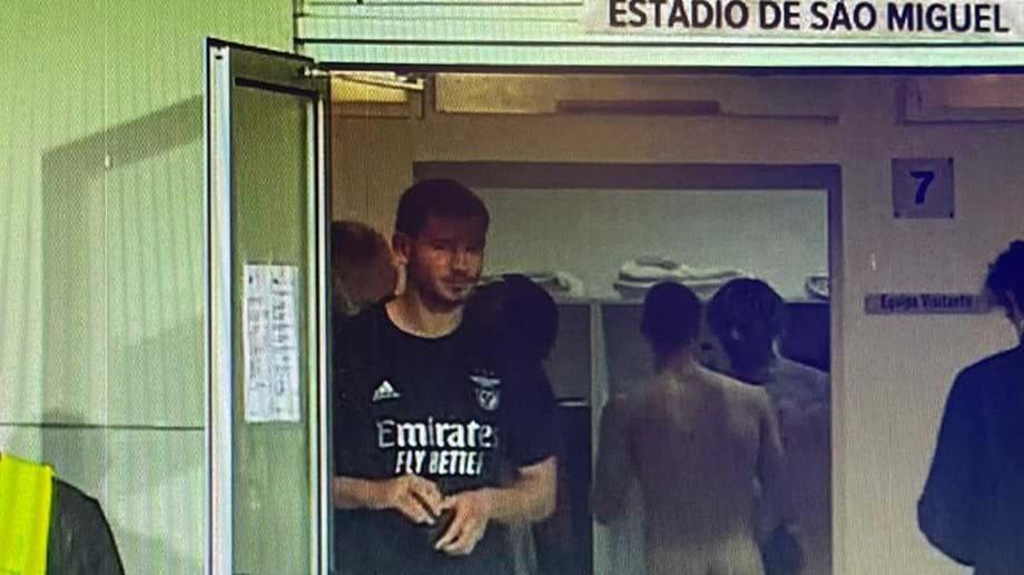 FAIL: Sport TV aponta câmara para balneário do Benfica